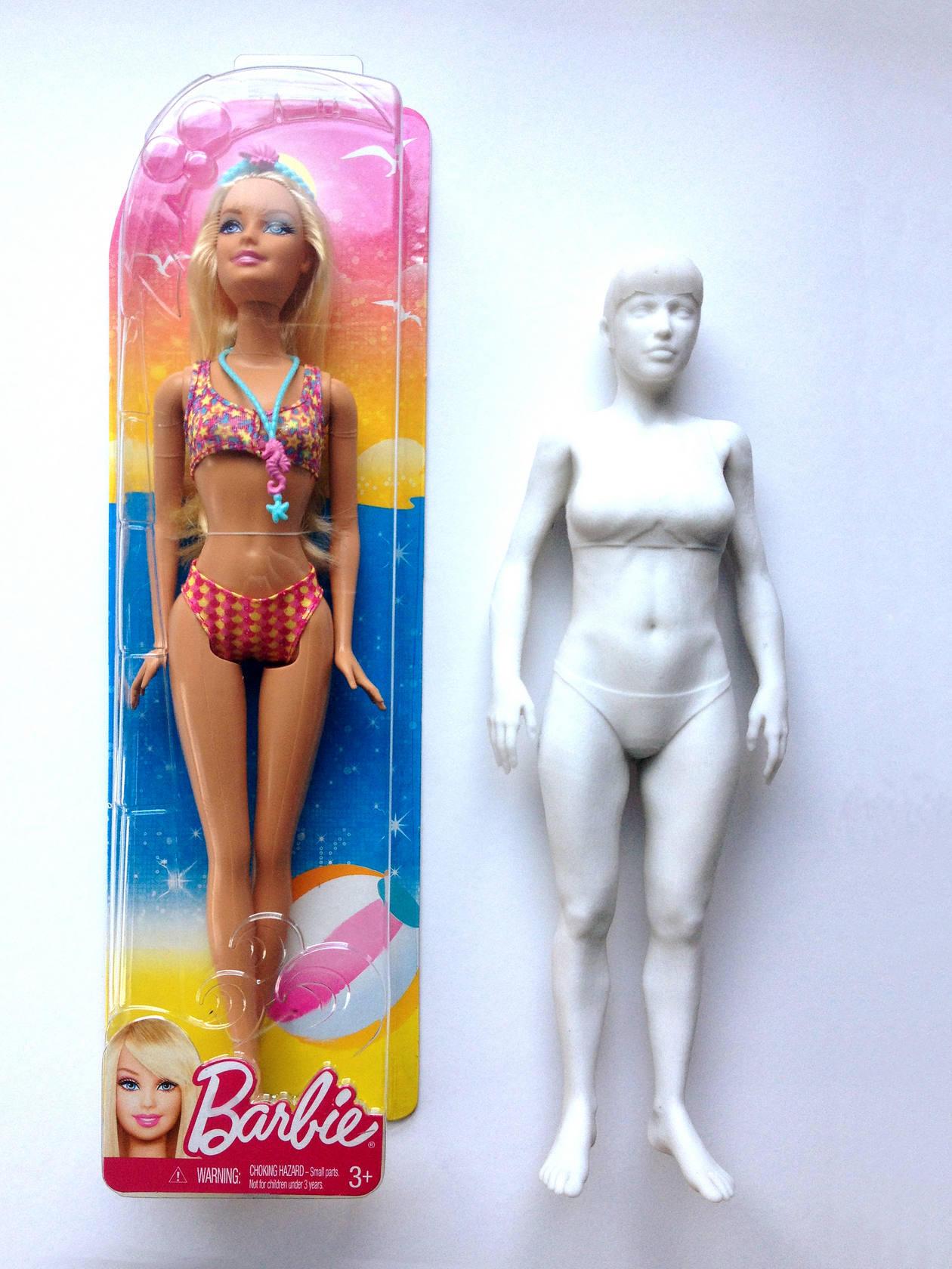 Una Barbie con medidas reales