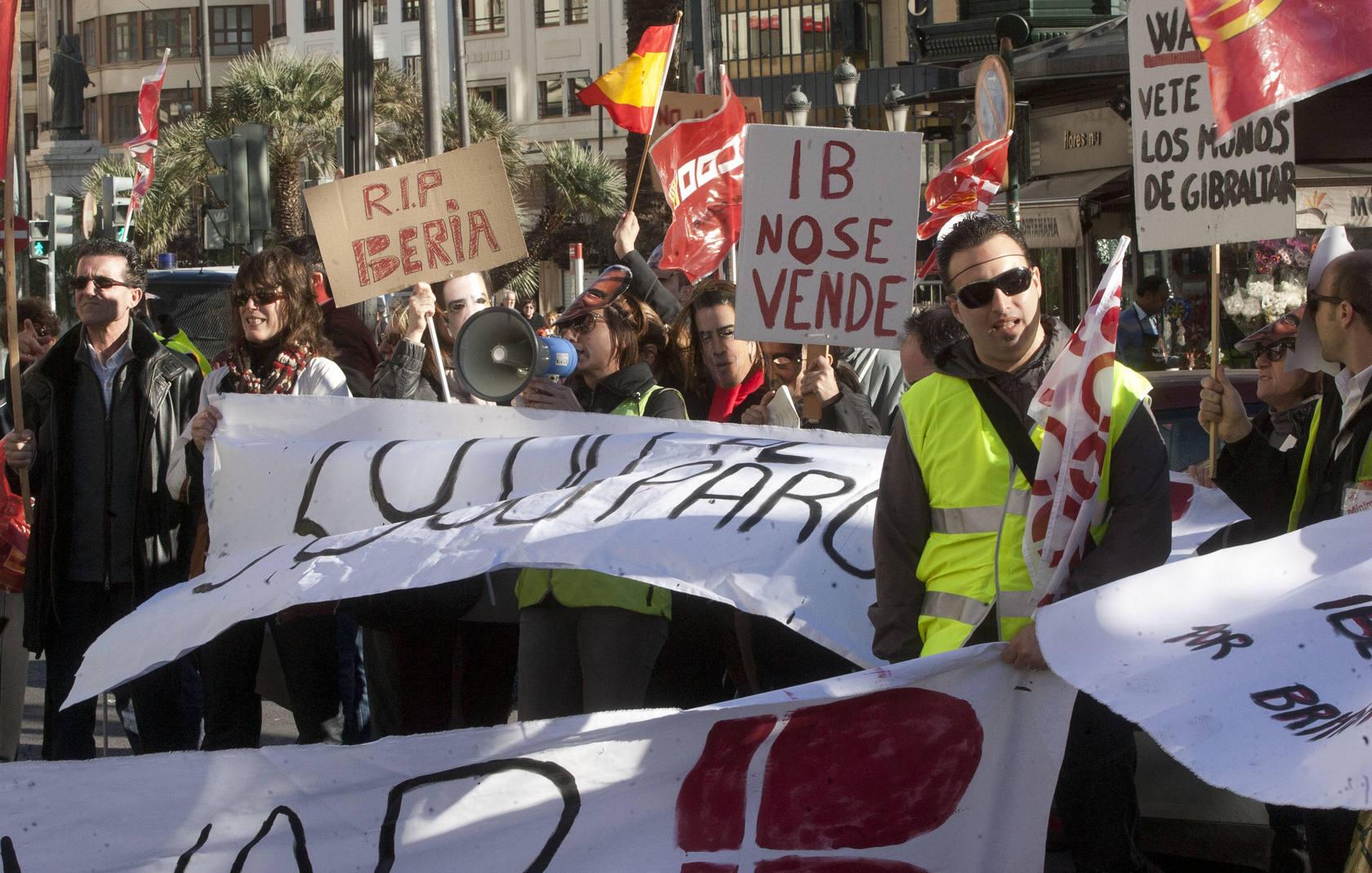 Trabajadores de Iberia protestan en Valencia