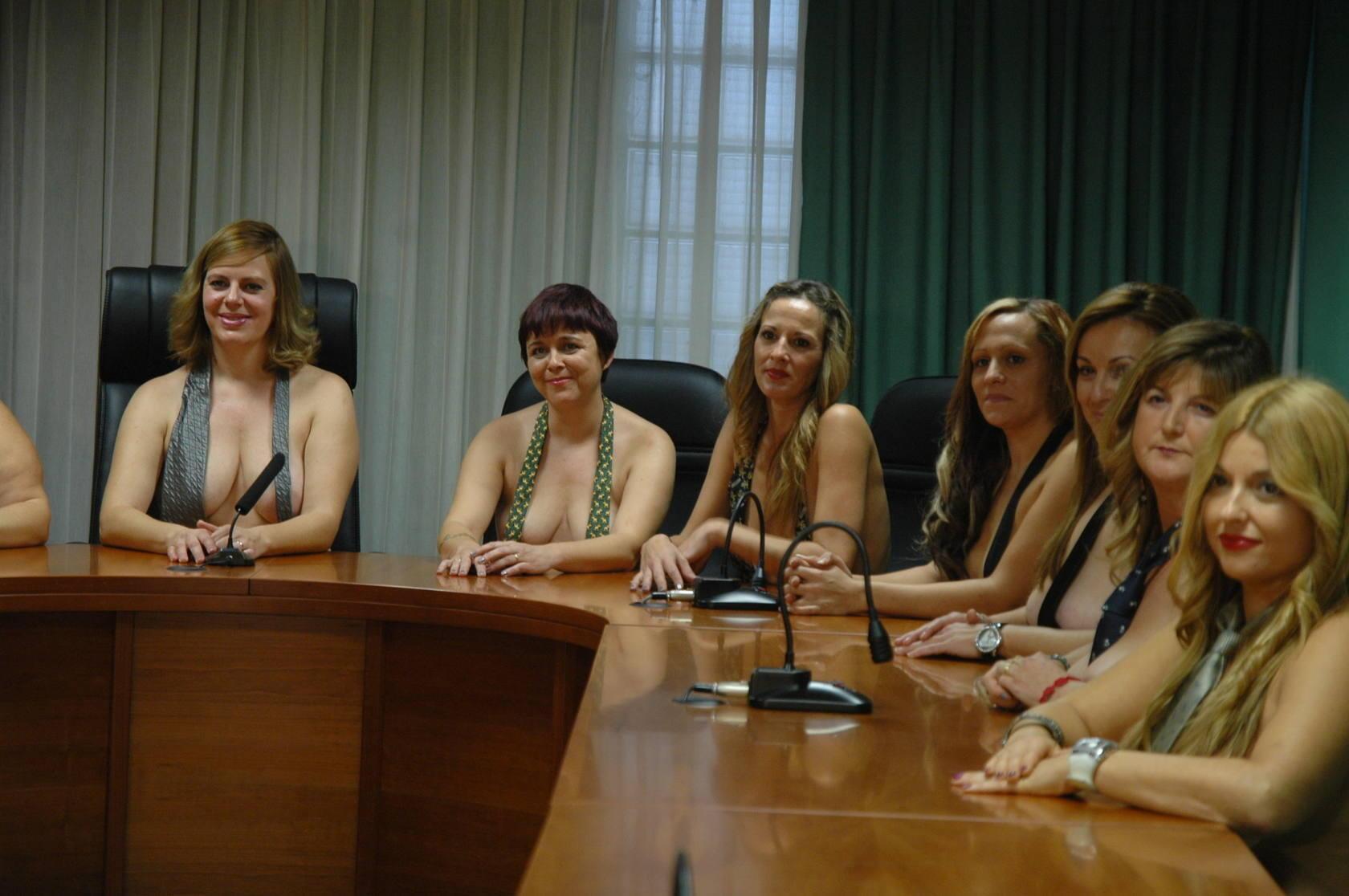 Calendario erótico de las madres de Montserrat