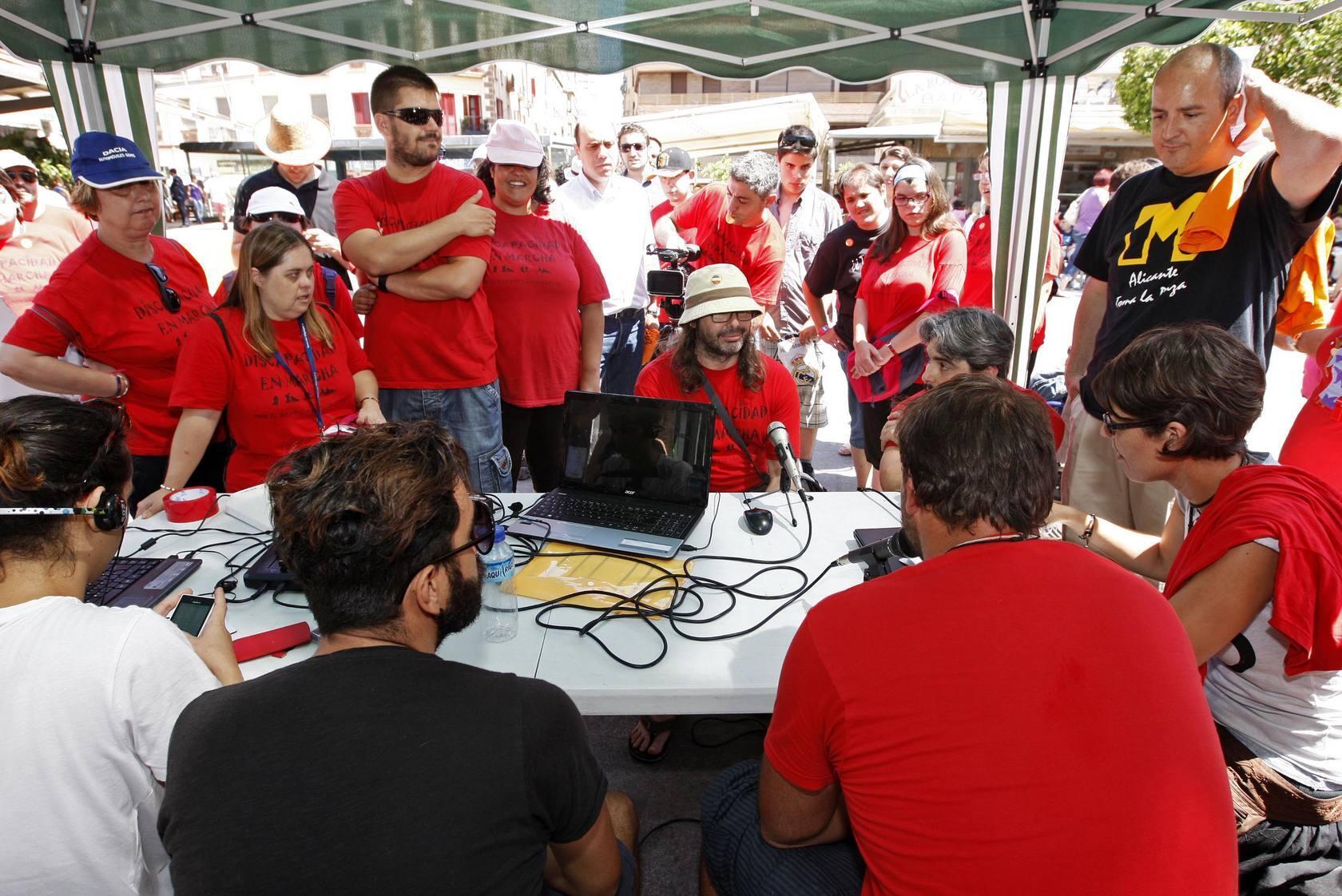 Grabación del programa 'Voces en marcha' en el Mercado Central
