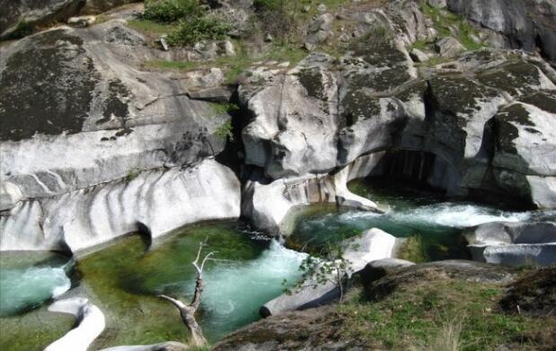 Salamanca: noche para 2 + piscina natural