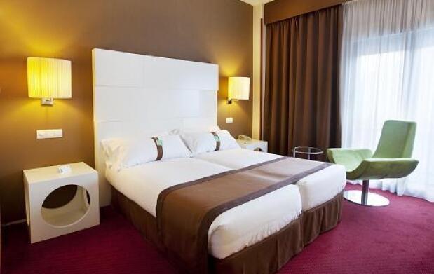 Holiday Inn Madrid Calle Alcala +ARCO