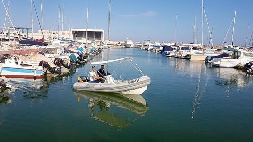 Alquila una embarcación 1 o 2h (sin título)