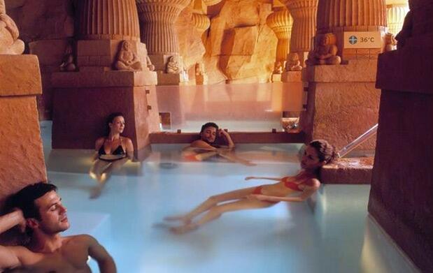 Andorra: Entrada Caldea 3h + masaje relax de 60'