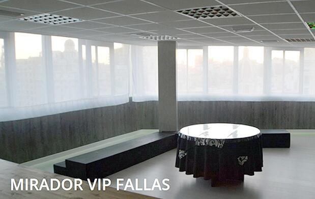 Vive la mascletà desde un balcón VIP