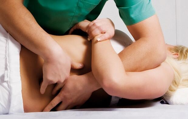 Tratamiento de osteopatía y masaje