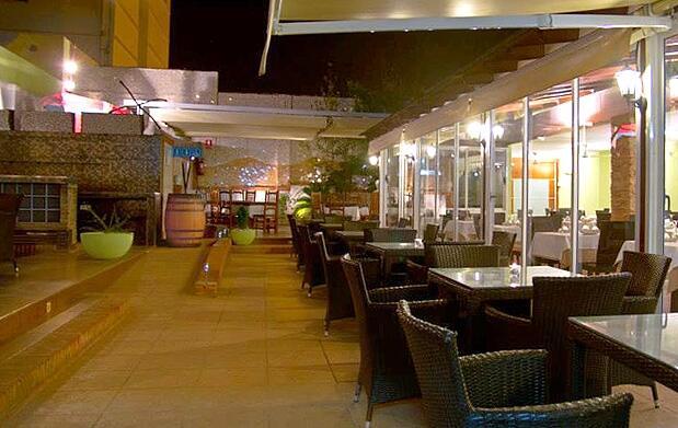 Comida o cena para dos en La Santamaría