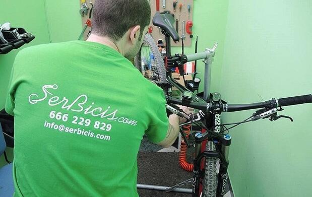 Puesta a punto y limpieza de bicicleta