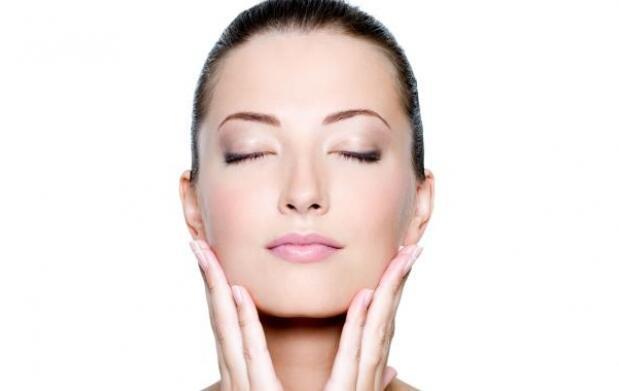 Tratamiento facial con cóctel vitamínico