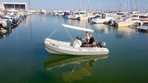 Alquila una embarcación sin titulación (2 o 4h)
