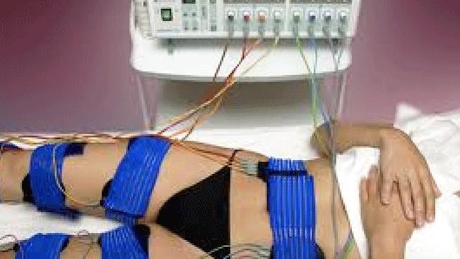 Limpieza facial y masajes con electroestimulación o cavitación en Clínica Trébol