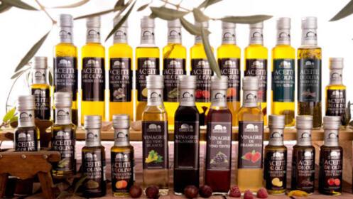 Pack de productos de olivas de las inconfundibles aceitunas Campotoro