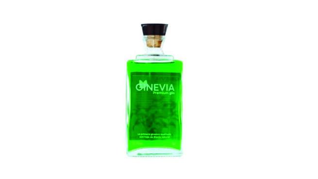Primera Ginebra premium destilada con hojas de Stevia